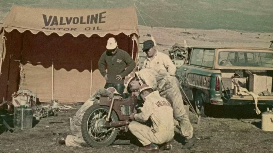 Valvoline - Под этой маркой выпускалось первое моторное масло
